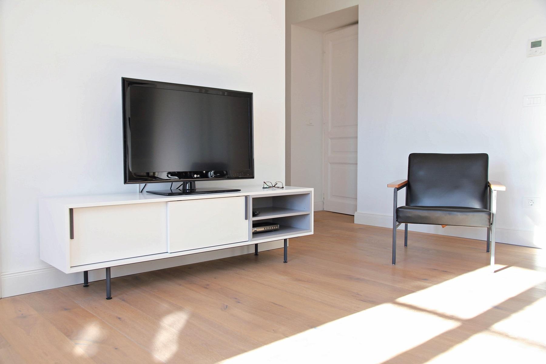 Tv Mobel Regal Mit Schiebeture Mobel Ambius Tischlerei Aus Slowenien